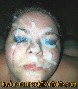 Bukkake Sau will Sperma am ganzen Körper spüren